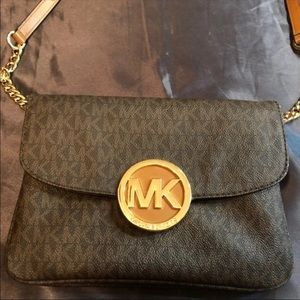 d217d5d5f7f4 Women Macy Michael Kors Bag on Poshmark